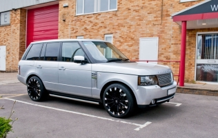 <h5>Renaissance - Range Rover</h5>