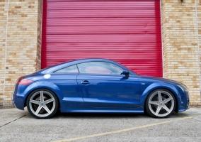 <h5>Audi TT - Entourage</h5>