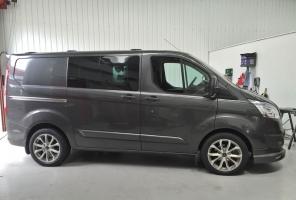 <h5>Ford Transit</h5>