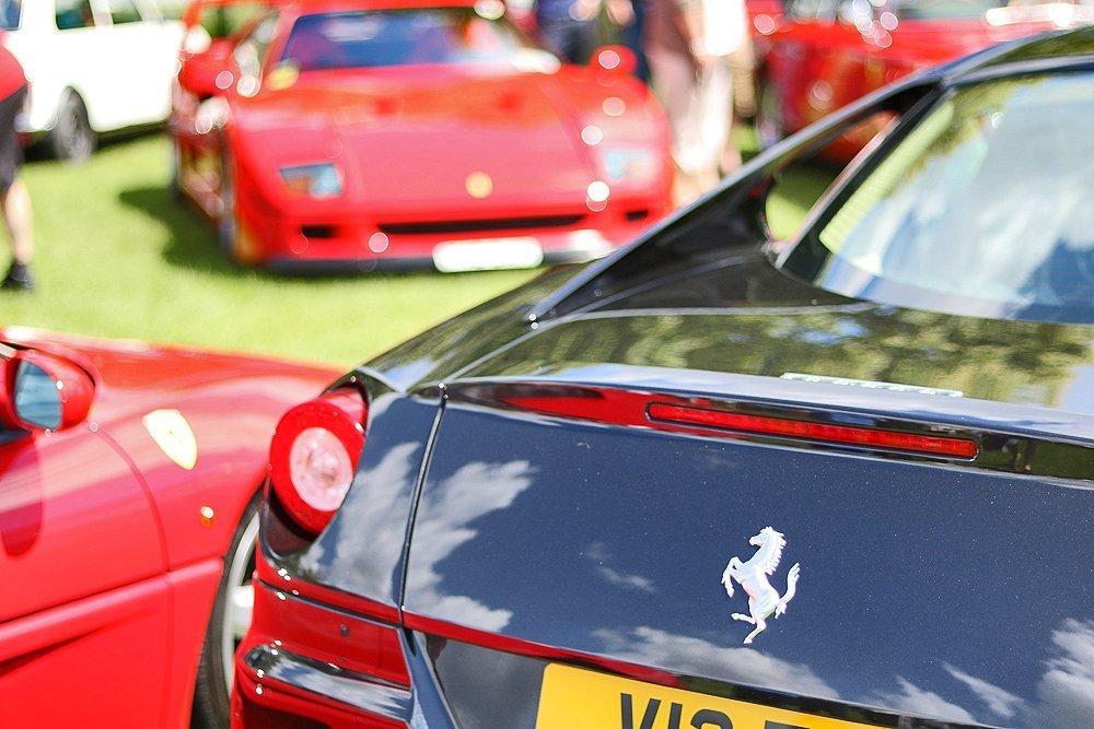 Ferrari_599_black_motor_show
