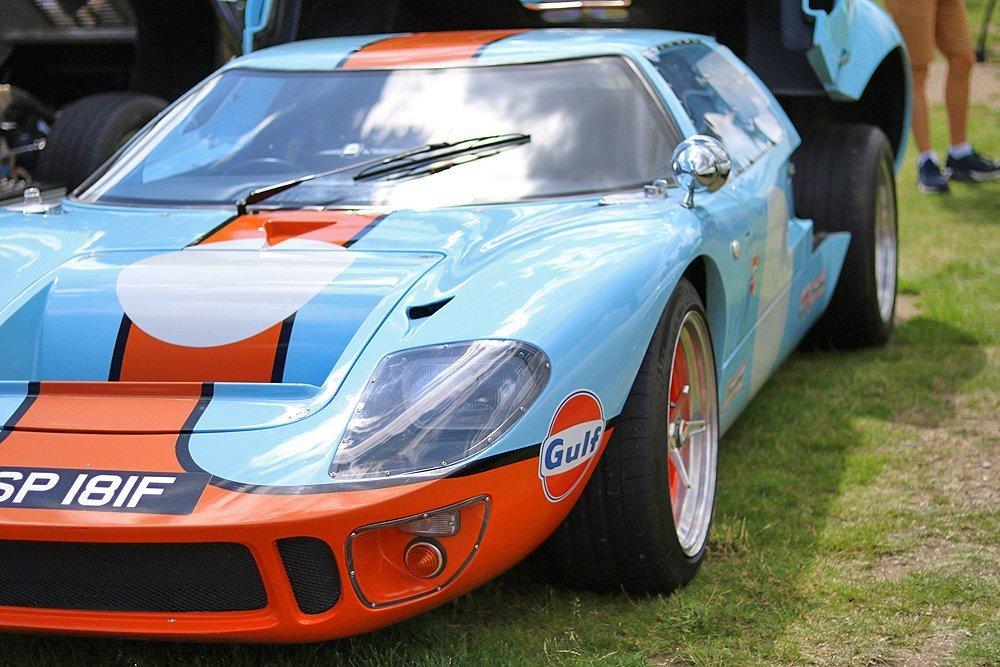 Ford_Gt40_Gulf_racing_blue_orange
