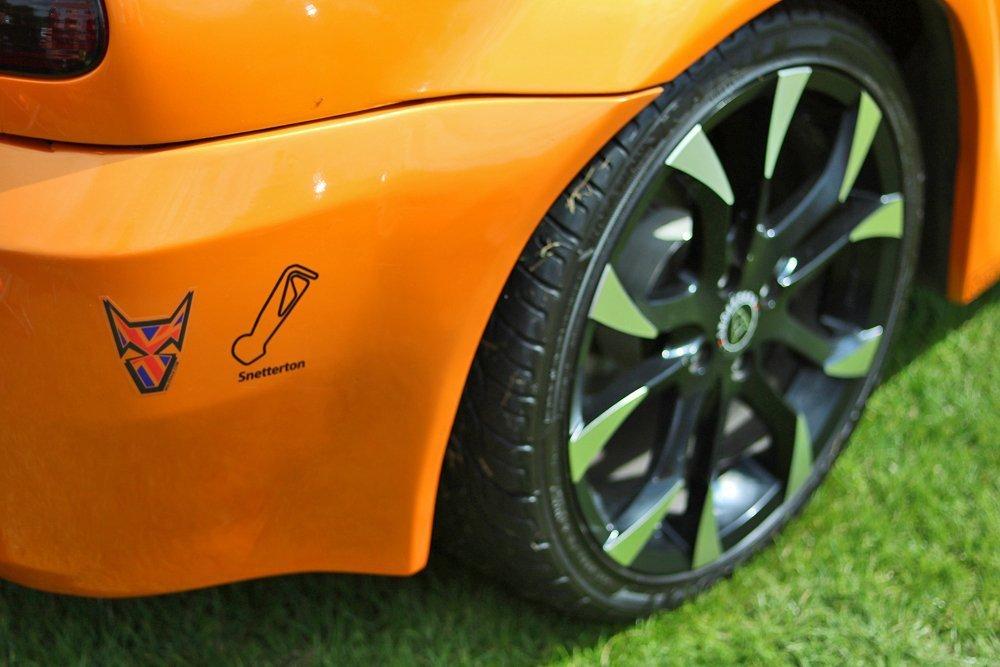 Mg_roadster_orange_wolfrace_eurosport_assassins