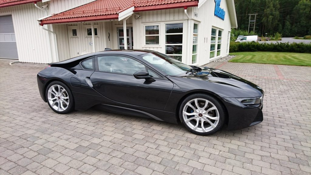 BMWi8 Fitted With Wolfrace Alloys